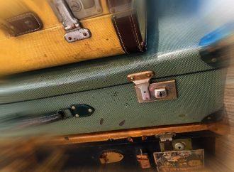 Ausstellung: Gepäckstücke und ihre Fluchtgeschichten