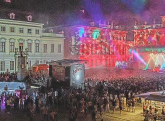 Elektronische Tanzmusik im Schloss