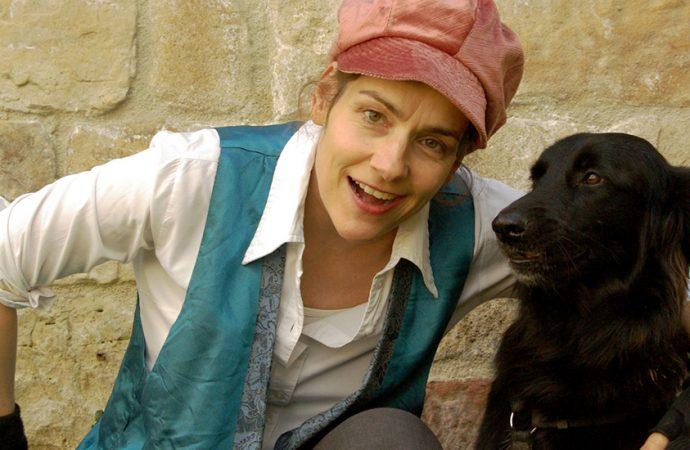 Mitmachtheater mit echtem Hund